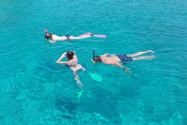 Sailing Trip Snorkeling at Dia